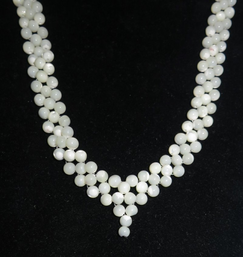 wholesale of pearl v shaped necklaces